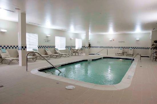 Fairfield Inn & Suites South Boston: Indoor Pool
