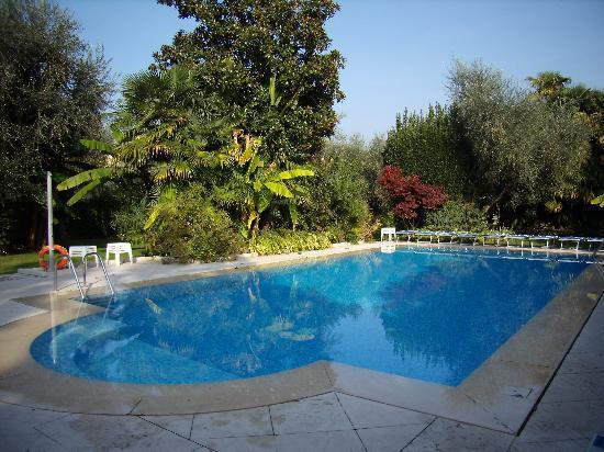 Hotel 4 Stagioni: piscina dell'hotel