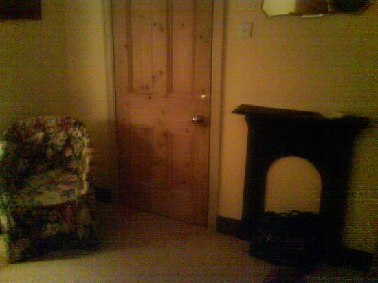 Gale Green Cottage: View of the bedroom