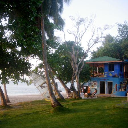 Centro de buceo Felipe, junto a las cabañas