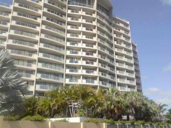 Broadbeach Savannah Resort: _~Savannah Apartments~Surf's Parade~_