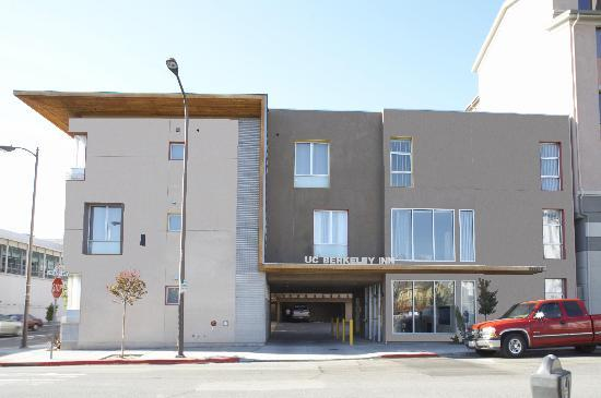 Downtown Berkeley Inn: Brand New Building