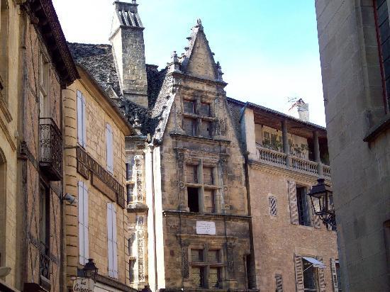 La Maison du Notaire Royal chambres au ceour de la cite medievale de Sarlat: Medievil Sarlat architecture