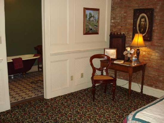 Iron Horse Hotel Bed & Breakfast: All the rooms had their own baths with historic fixtures