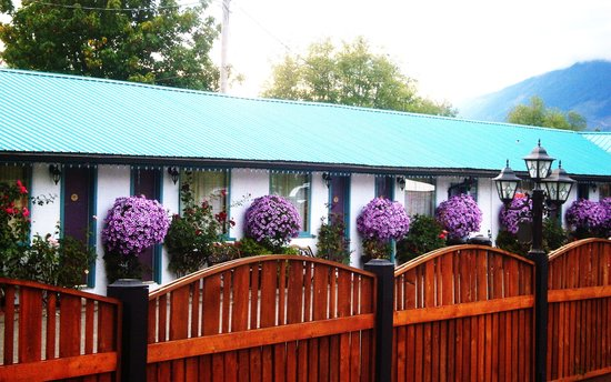 "Riverside Motel: Your ""HOME AWAY FROM HOME"""