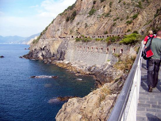 Hotel Villa Steno : along the coast o f Cinque Terre