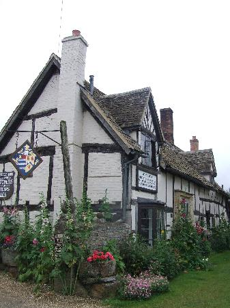 The Fleece Inn: The Inn