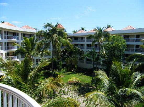 Punta Cana, Den dominikanske republikk: Garden in the center of the resort.