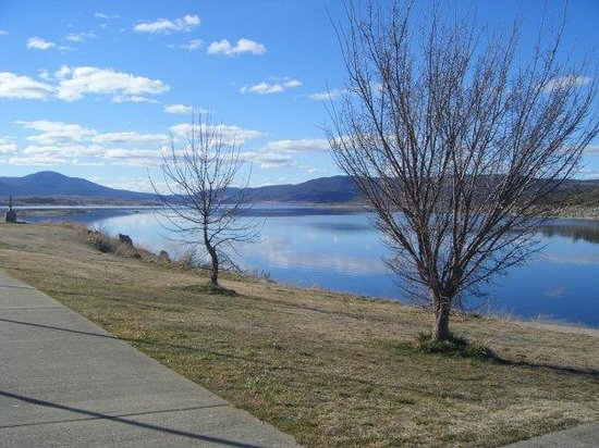 Jindabyne Vacations