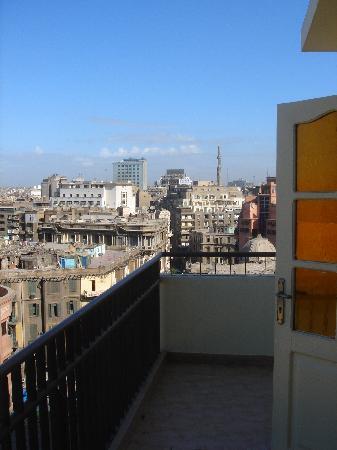 Ramses II Hostel : other room with balcony