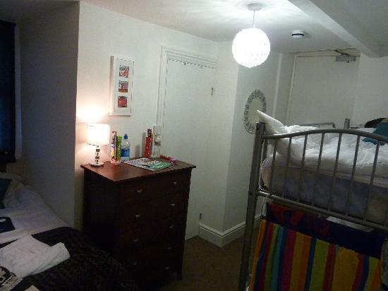 Woolacombe, UK: No.6 - family room (children's bit)