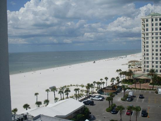 Hilton Clearwater Beach Resort & Spa: view from our partial ocean view room