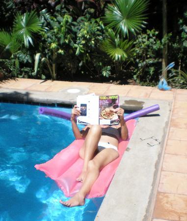 Casa Silas B & B: Relaxing in the pool at Casa Silas