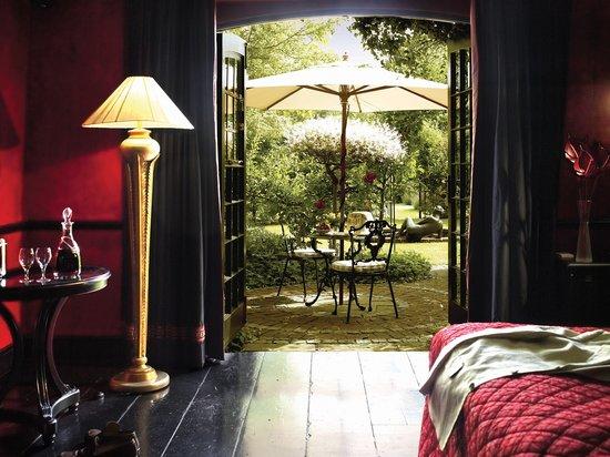 Belmond Le Manoir aux Quat'Saisons: Rouge et Noir - Superior Room