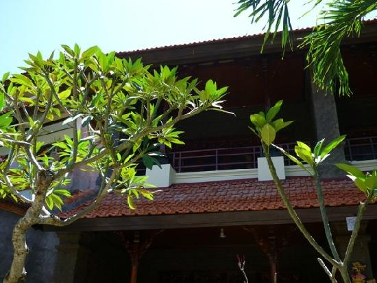 Hotel Puri Rai : Notre chambre au 1er