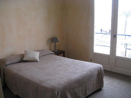 Cagnes-sur-Mer, France: a room