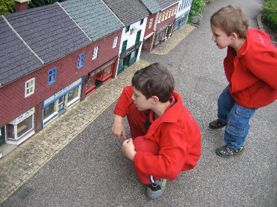 Bekonscot Model Village : Peering inside to see what the tiny residents are up to