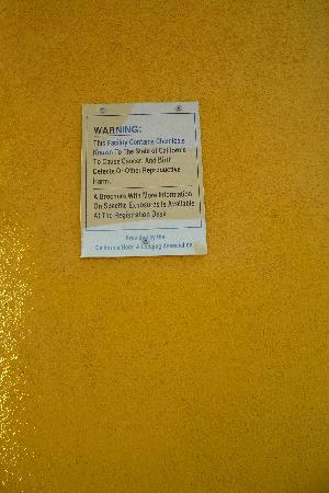 Holiday Inn Express Garden Grove: Creepy Sign on the Wall