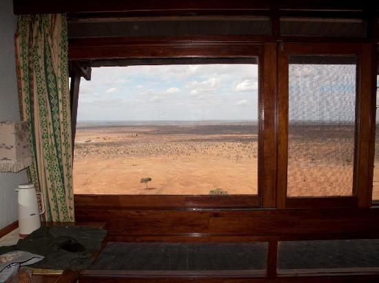 Nairobi, Kenia: landscape from voi safari lodge