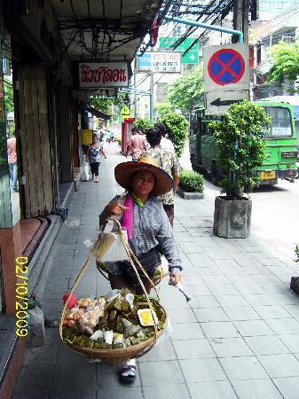 نيو رود جيست هاوس - هوستل: vendedora tradicional Charoen Krung road