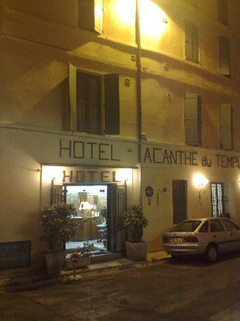 Acanthe du Temple Hotel : Hotel at night
