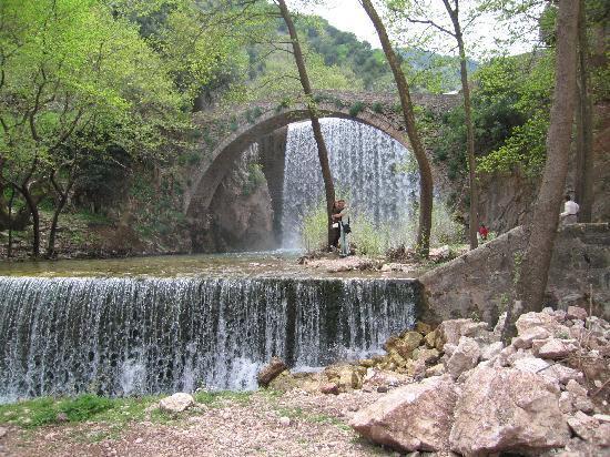 Mouzaki, Griekenland: small waterfall