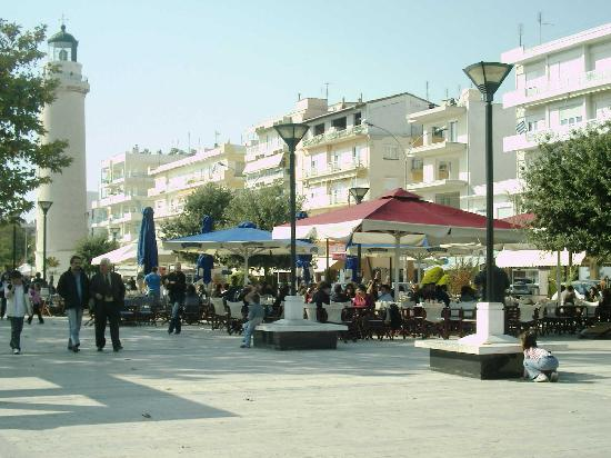 Alexandroupoli, กรีซ: Der Platz um den Pharos