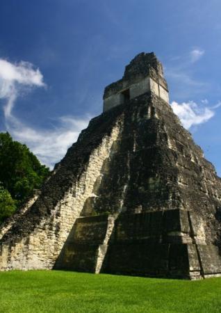 วิหารที่ 1: temple 1  seeing as this is probably the most photographed structure in all guatemala, this ph