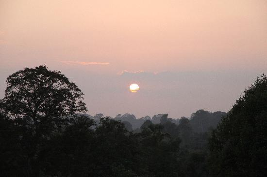 River Village Manor: Sunset off the beaten track, enjoy the serenity away from the crowd