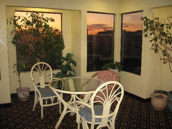 Buena Vista Motor Inn: nice sitting area on 3rd floor