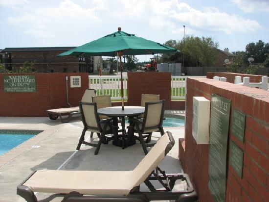 Country Inn & Suites By Carlson, Covington, LA: Pool area