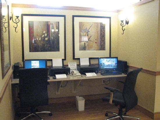 Country Inn & Suites By Carlson, Covington, LA: Free Computers