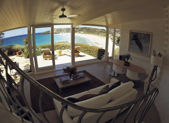 LifeTime Private Retreats: Cliff House with cliff edge spa
