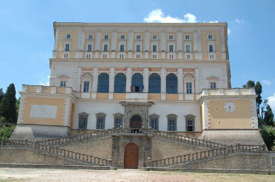 Caprarola, Italy: Palazzo Farnese , il primo Pentagono!