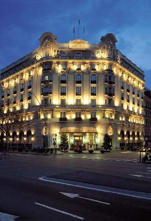 El Palace Hotel: Facade
