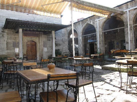Caferaga Medresesi: The cafe (outdoors)