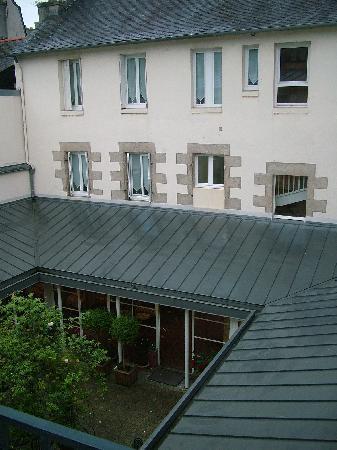 Hotel Gradlon: Stanza - vista patio