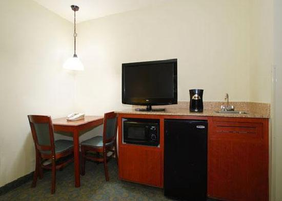 Quality Inn & Suites: New televisions and minibars