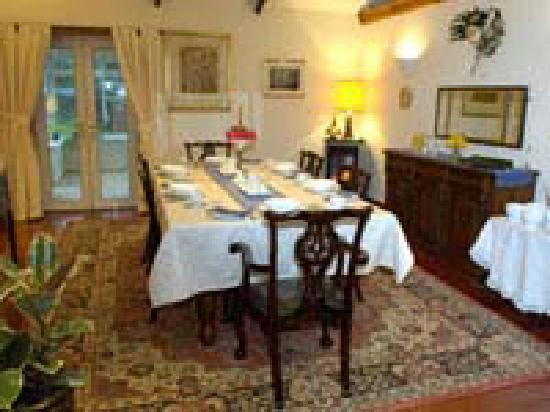Dormie House : Dining Room set for breakfast