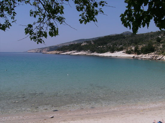 Thassos Town (Limenas), Grèce : One of the many lovely beaches