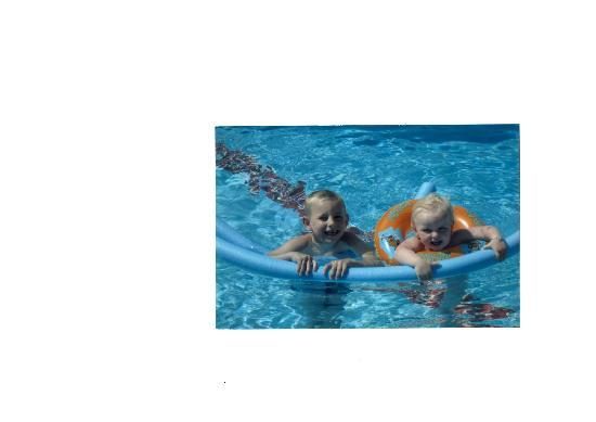 Tolay Hotel: kids in the pool