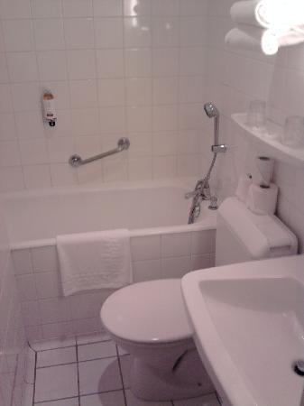 Hotel de la Paix: salle de bain