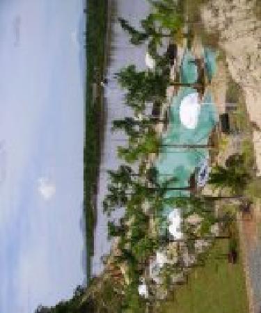 River Ray Estates Resort: Pool Area