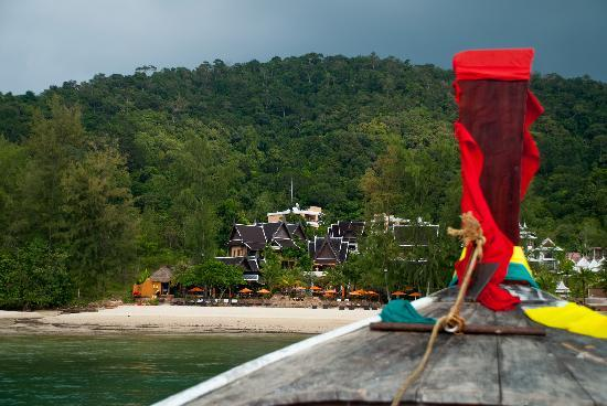 Amari Vogue Krabi: View from longtail boat approaching hotel