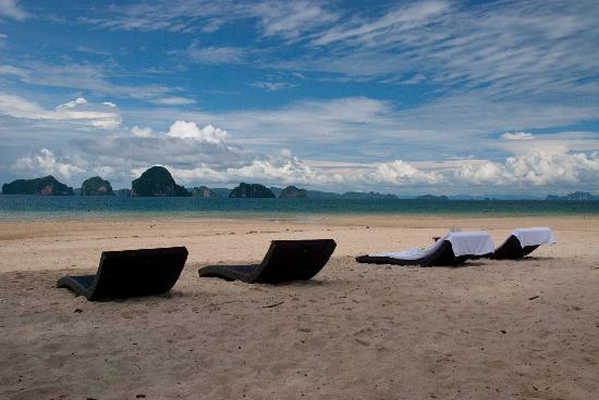 Amari Vogue Krabi: The beach in front of the hotel