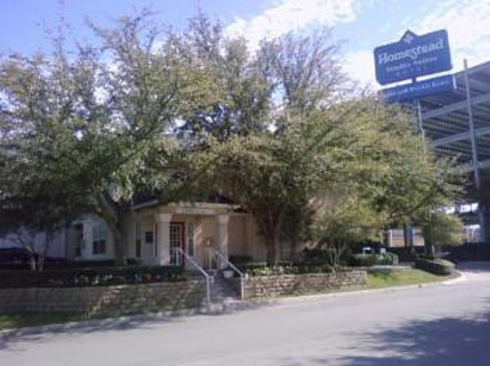 Extended Stay America - Fort Worth - Medical Center: Front of Hotel