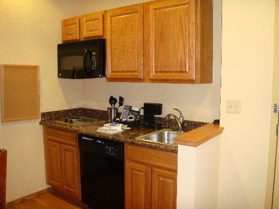 Homewood Suites by Hilton Oklahoma City-West: Kitchenette