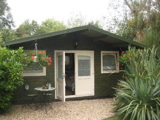 Wych Green Cottage: Garden cottage