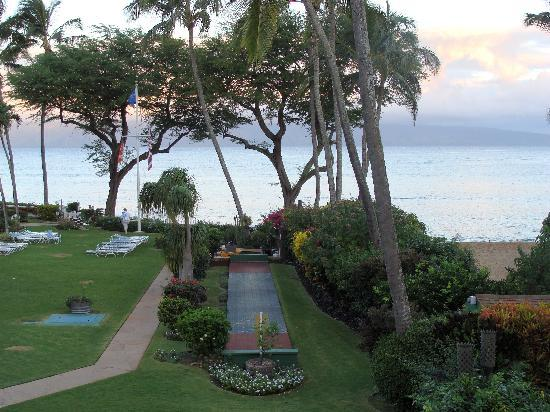 Napili Surf Beach Resort: The view from the studio