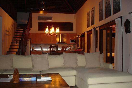 Kelapa Luxury Villas: Villa Marina living room